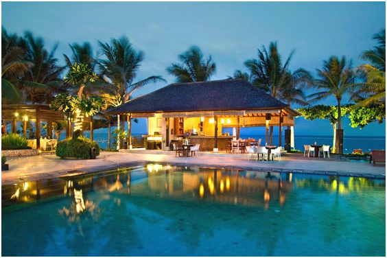 The best resort destination in bali indonesia travelscor for Best beach hotels in bali
